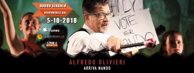 """Torna Alfredo Olivieri con """"Arriva Nando"""", singolo che anticipa l'uscita del nuovo album """"Made in China"""". Ad accompagnare il ritorno in scena del cantautore bolognese, una grande produzione video!"""