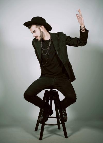 La firma dei New Trolls e Gianni Testa sul singolo d'esordio di Alex Effe