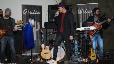 GIULIO WILSON Cantautore italiano. Vincitore del Premio Lauzi 2018, MEI 2017, BMA Bologna Musica d'Autore. IL 16 FEBBRAIO A POTENZA AL TEATRO PICCOLO PRINCIPE: IL TOUR 2019 PROSEGUE SENZA SOSTA.