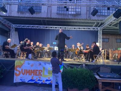"""Nella sede dell'Associazione """"Figli in Famiglia Onlus"""" Mandolini e solidarietà in una sera d'estate"""