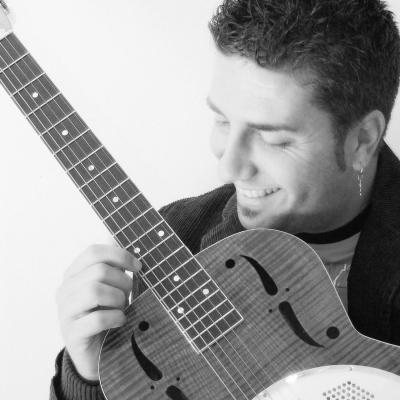 """TIENEME CU TTE"" è l'ultimo singolo di Alfredo Minucci Alfredo Minucci"