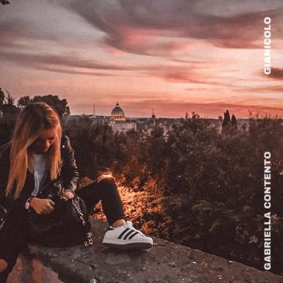GIANICOLO è il debut single della cantautrice GABRIELLA CONTENTO