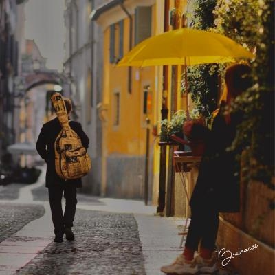 Ombrello Giallo, il nuovo singolo di BRUNACCI fuori il 4 dicembre